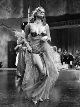 actress-anita-ekberg-filming-at-elstree-studios-1955