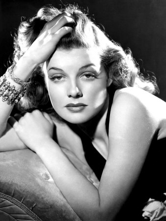 ann-sheridan-portrait-used-as-the-cover-for-silver-screen-august-1940