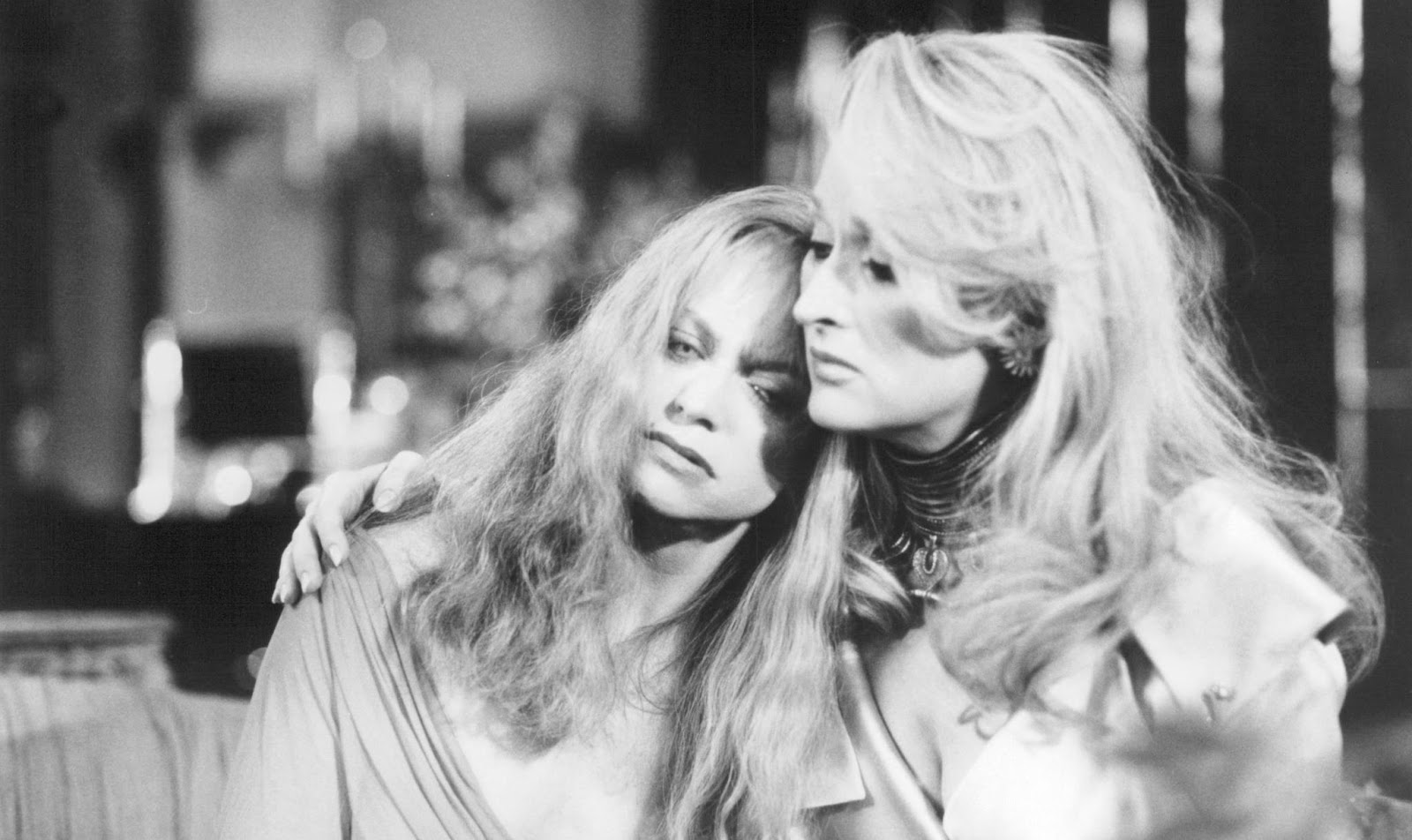 -goldie-hawn-in-death-becomes-her-large-picture