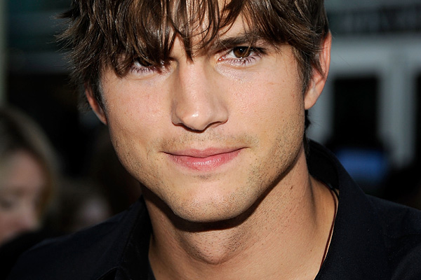 600full-ashton-kutcher (7)