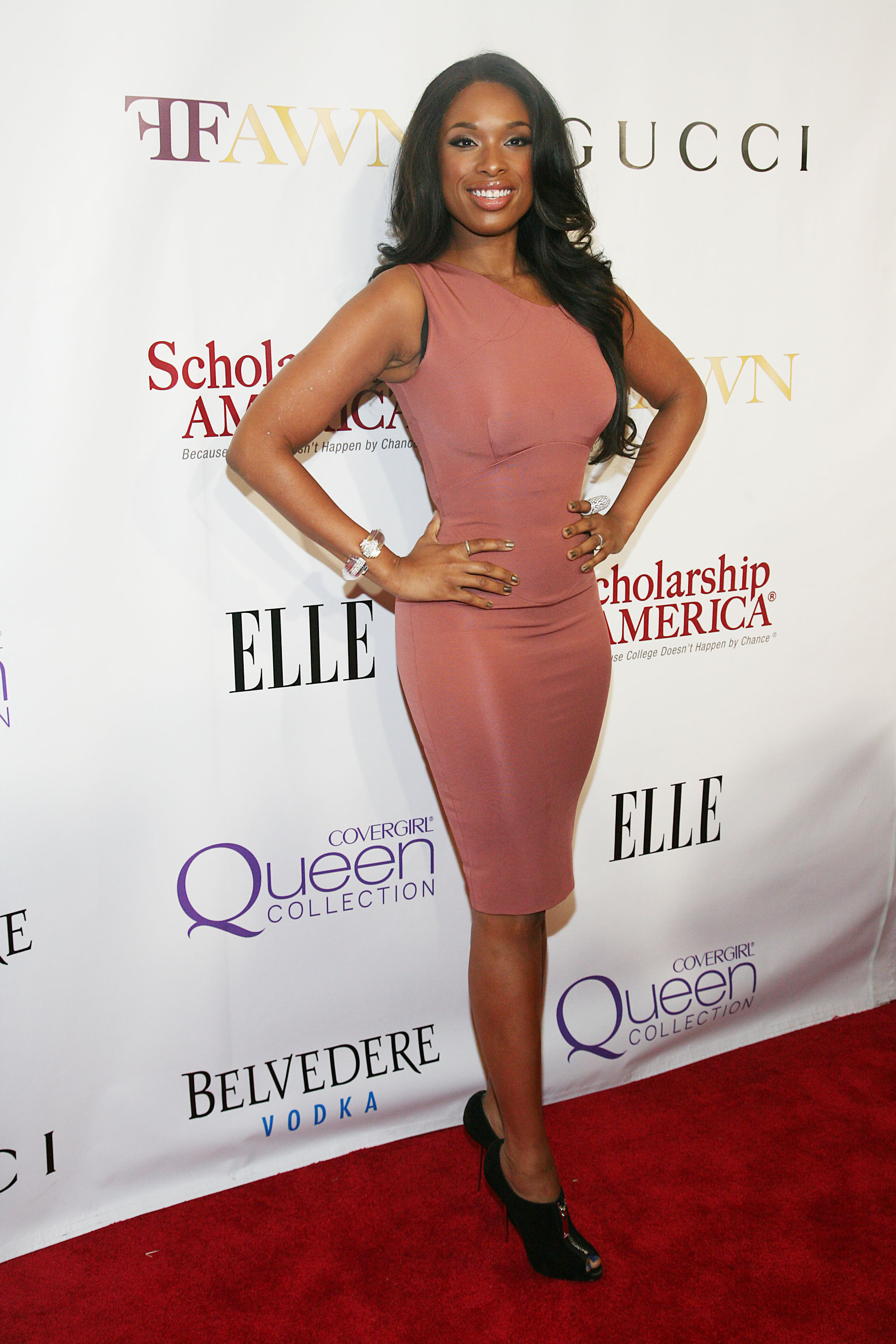 Jennifer hudson steps out edgeless
